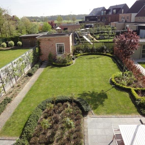 Foto 39 s van tuinaanleg bestrating terrassen en vijvers for Landelijke stadstuin