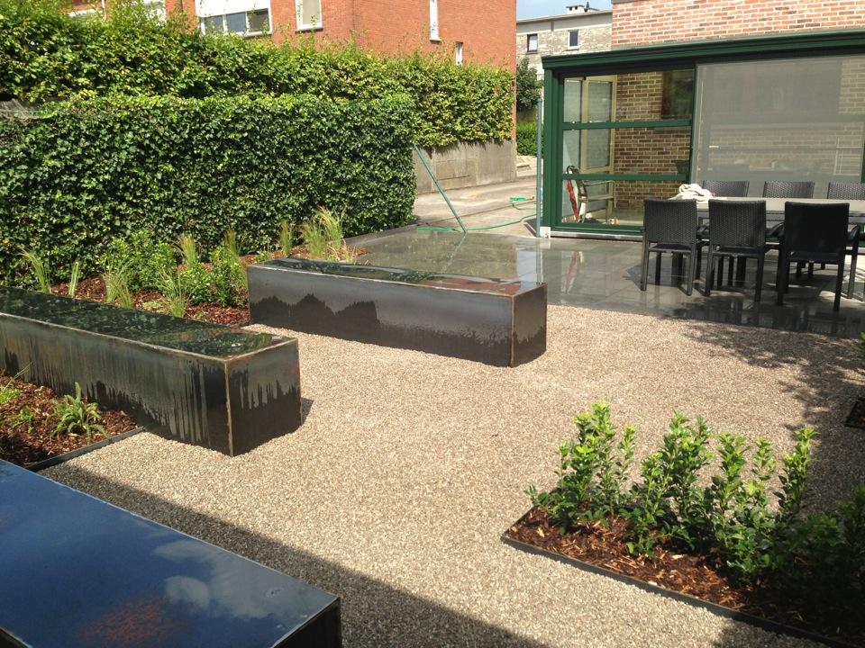 De tuinman ontwerpt en legt moderne tuinen aan - Designer tuin ...